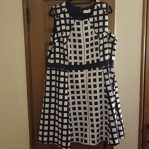 Jessica Simpson navy and white dress